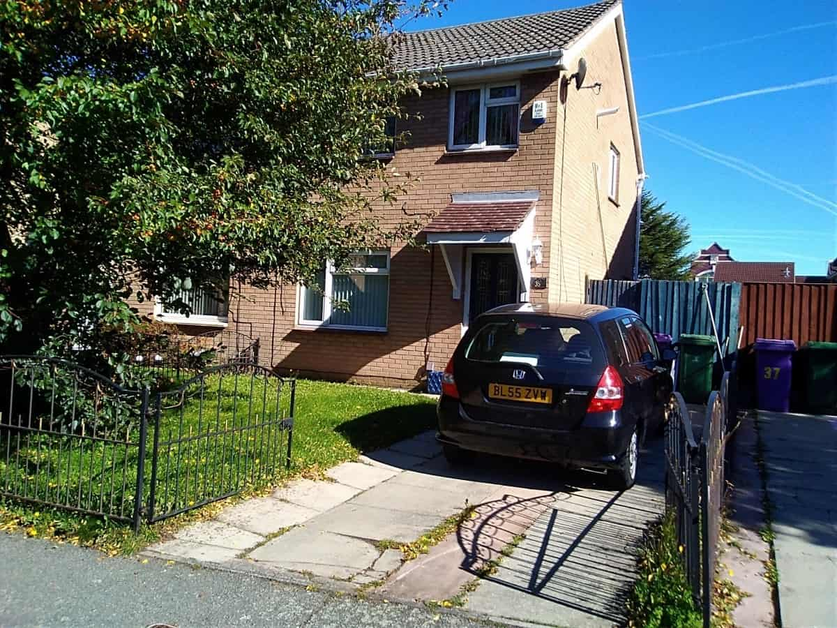 3 Bedroom Semi Detached House – John Lennon Drive, L6
