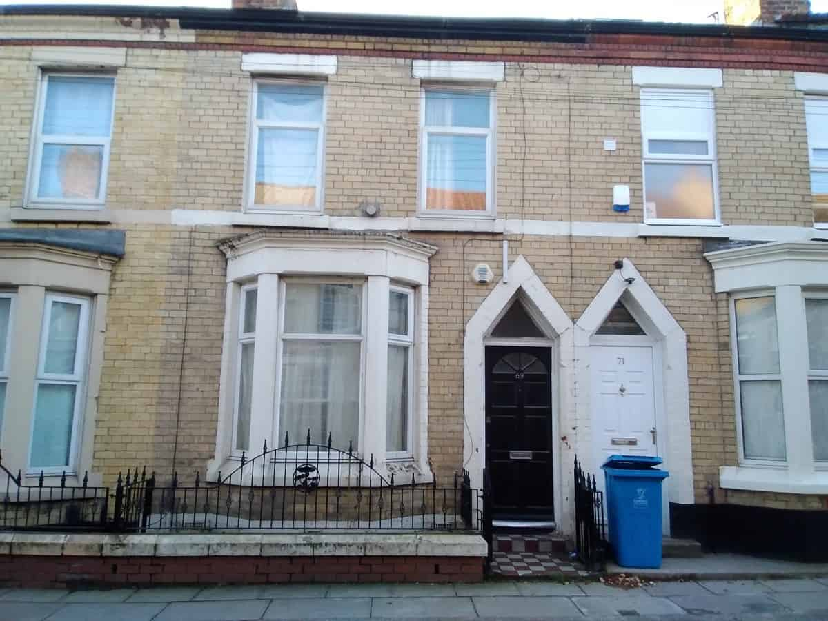 3 Bedroom Mid Terraced Property – Cotswold Street, L7